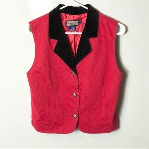 Ruff Hewn red and black vest button accents large